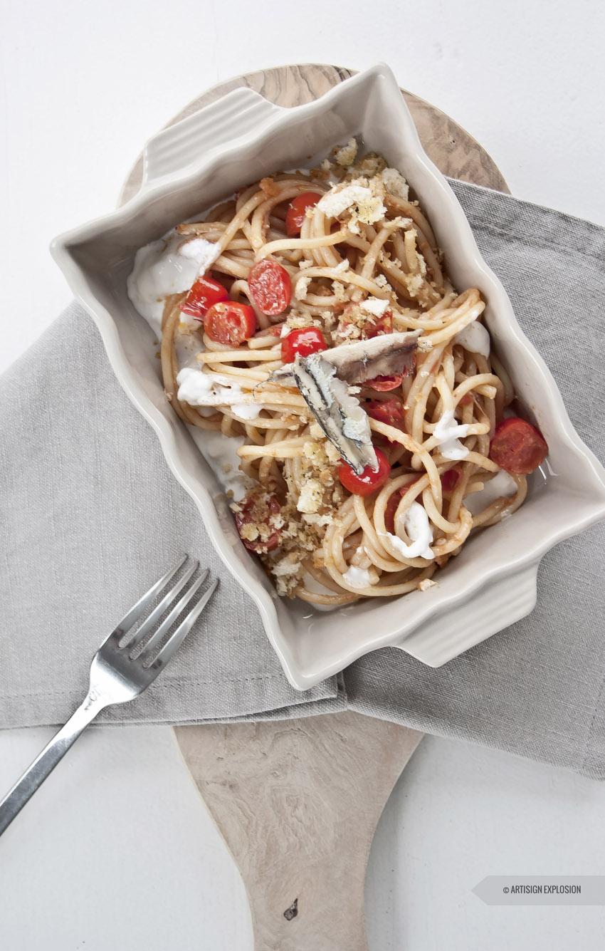 Ricetta Spaghettone alici e datterino su stracciatella_8